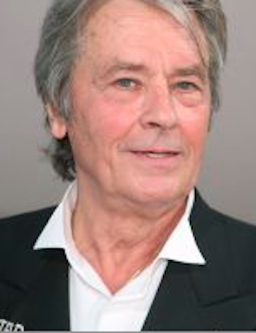 Alain Delon de face