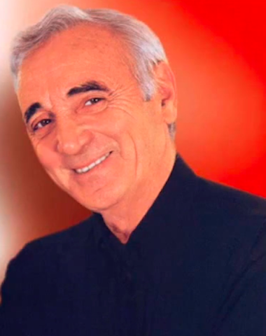 Charles Aznavour fond rouge
