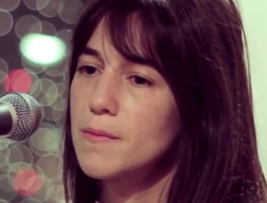 charlotte-gainsbourg-songeuse