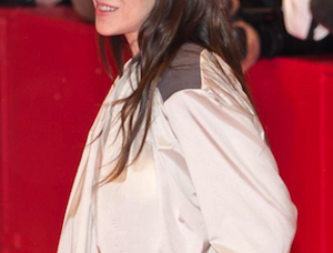 charlotte-gainsbourg-vertical