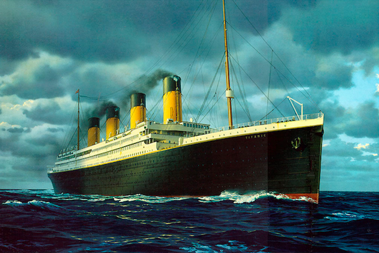 The ocean liner spanned 882 feet in length and was 106 feet wide.